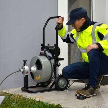Guide les professionnels dans leurs achats de déboucheurs de canalisations